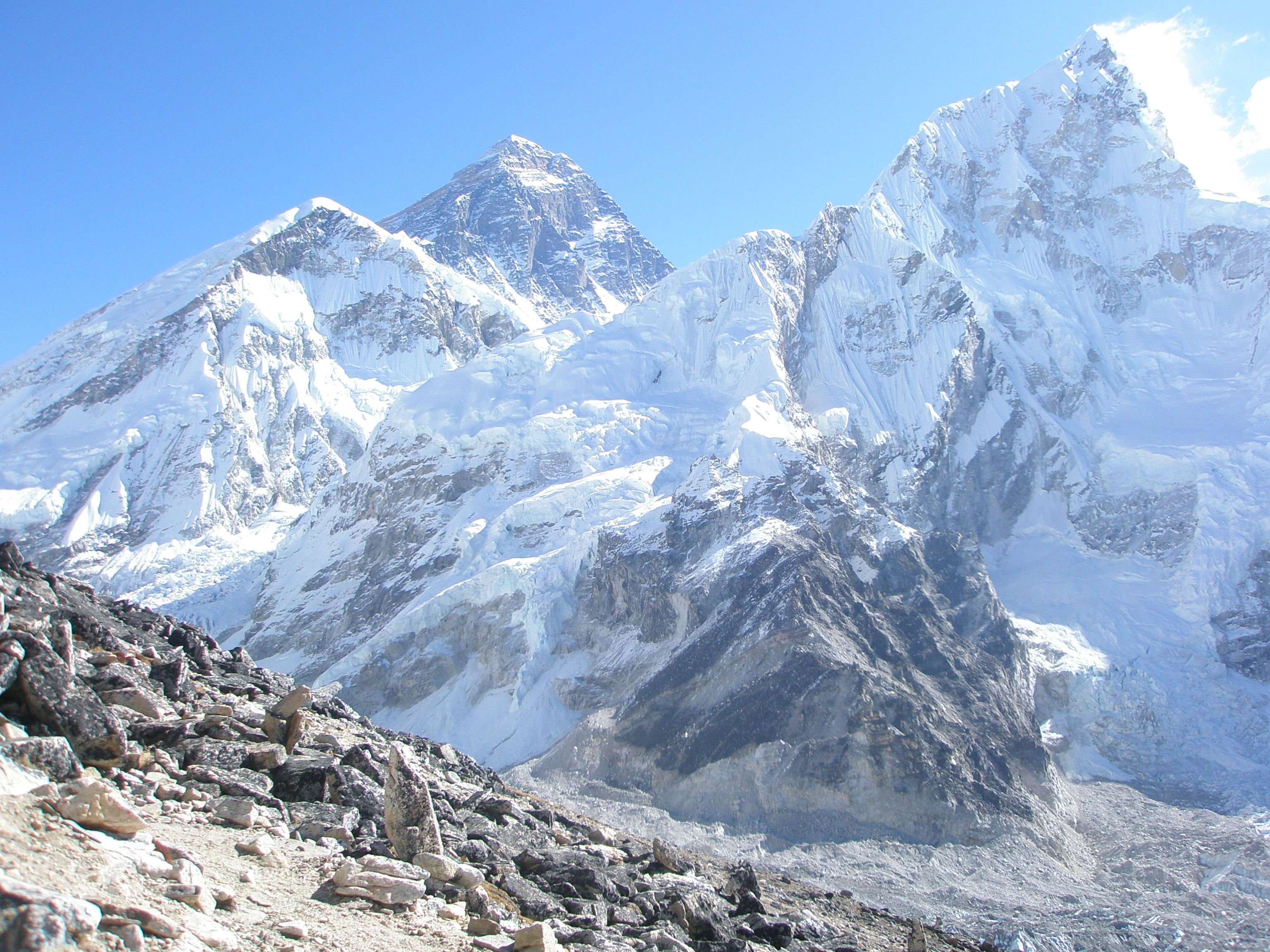 everest essay Essay on everest - everest mount everest, the world's highest point at 29,035 feet, is a special trophy among high altitude mountaineers.